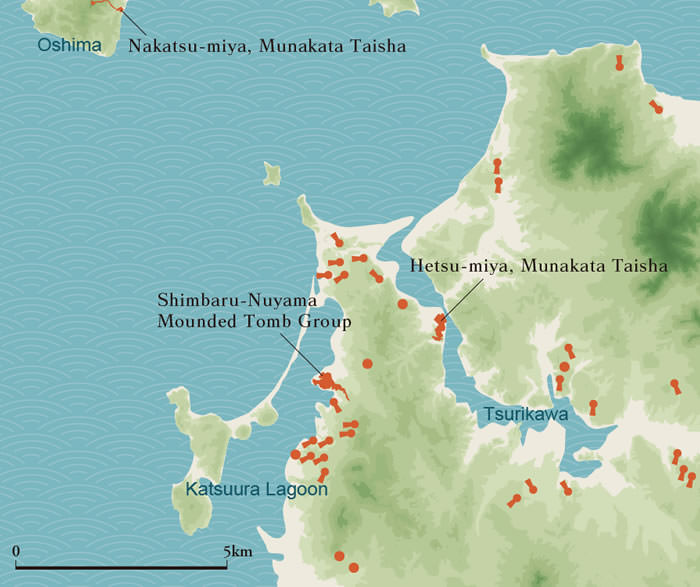 The sea inlet area of the Munakata region and distribution of large-scale mounded tombs. Countless mounded tombs also existed in the mountains.